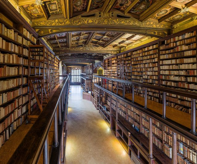 1225px-Duke_Humfrey's_Library_Interior_5,_Bodleian_Library,_Oxford,_UK_-_Diliff